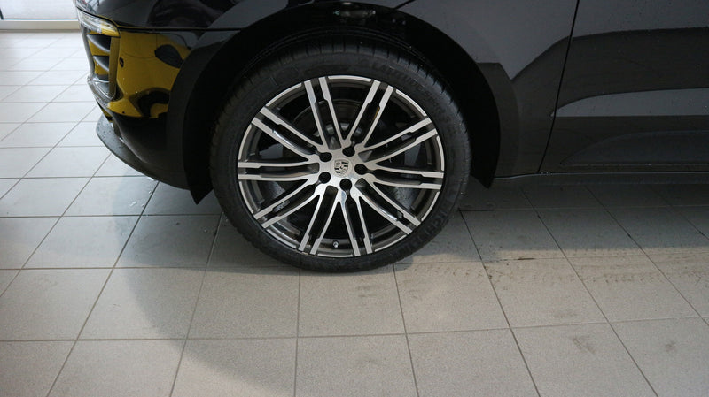 products/MyLambos-Porsche-Macan-326093-wheel-bitcoin.jpg