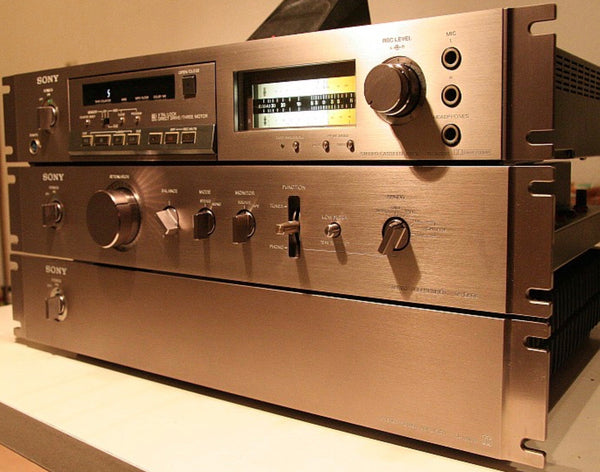 Pre-Espirit Sony Preamp and Amp for our System of the Week