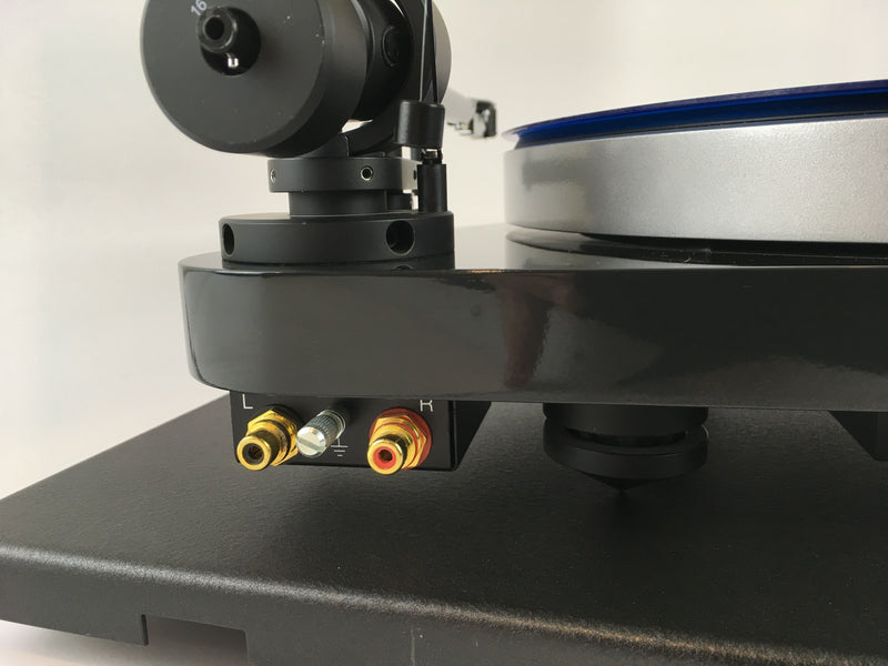Pro-Ject Audio RM-5 SE Turntable with New Grado Cartridge and Seismic Sink Base