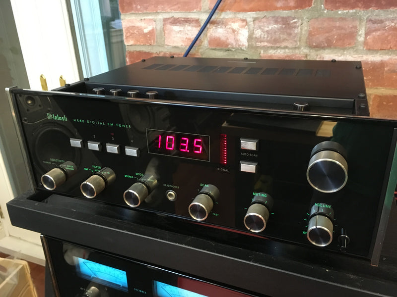 McIntosh MR-80 Digital FM Tuner