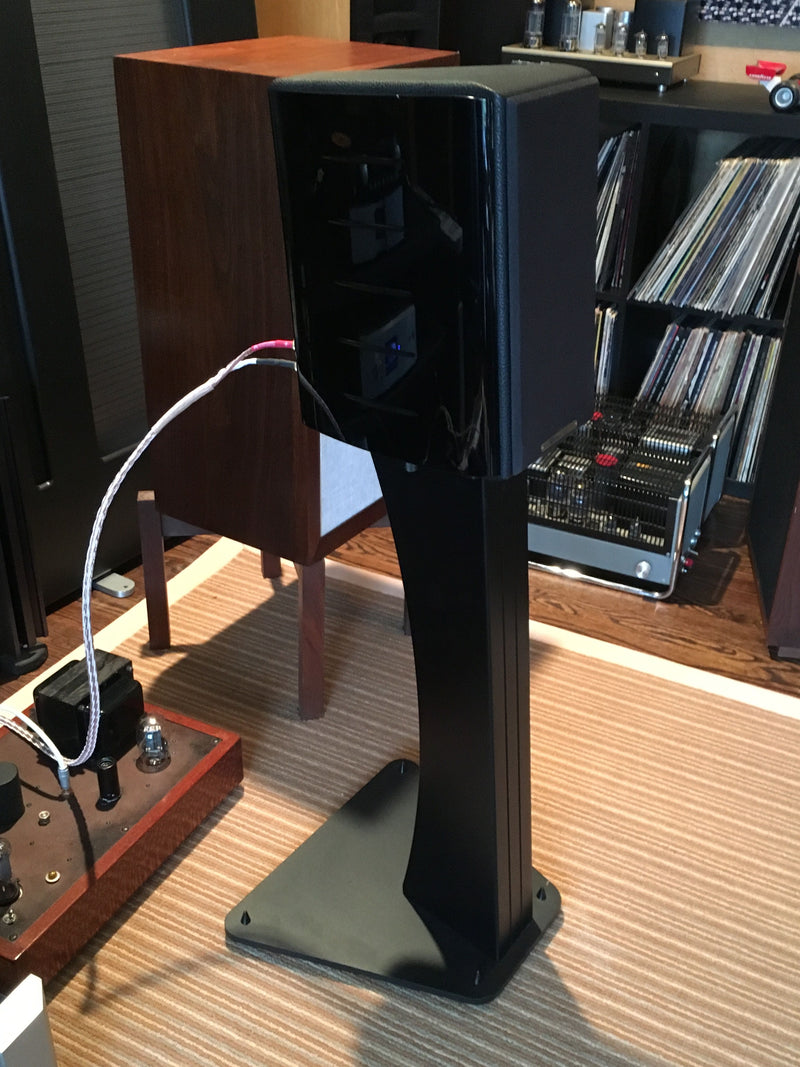 Sonus Faber Concertino Domus Speakers with Matching Stands