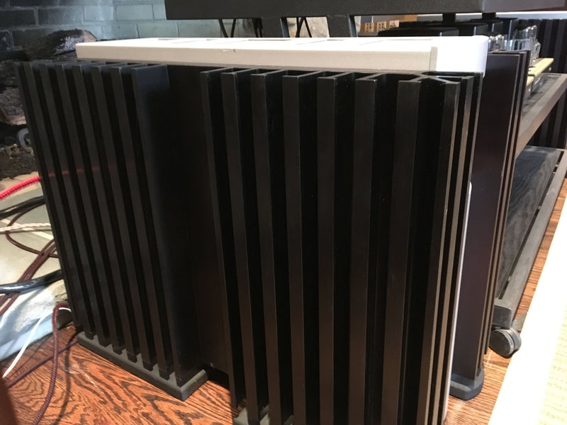 Mark Levinson No.33H Reference Solid State Monoblock Amplifiers