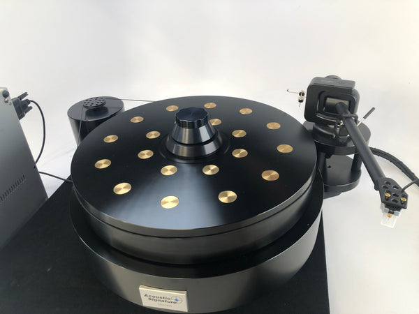 Acoustic Signature Mambo Turntable with Kuzma Tonearm