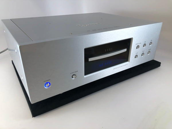Esoteric UX-1 - SACD / CD / DVD-A / DVD Player - Complete Package