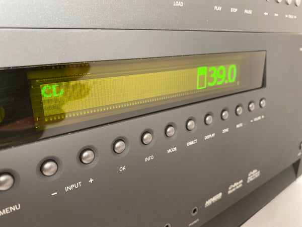 Arcam FMJ AVR600 Receiver With Free Matching Flagship DiVA CD Player!