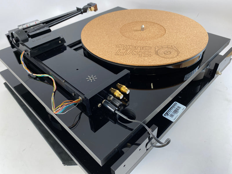 Goldmund Studietto Tangential Turntable with Grado Cartridge