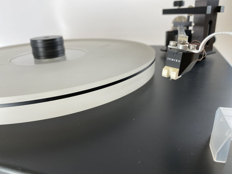 Well Tempered Classic Turntable With Dust Cover