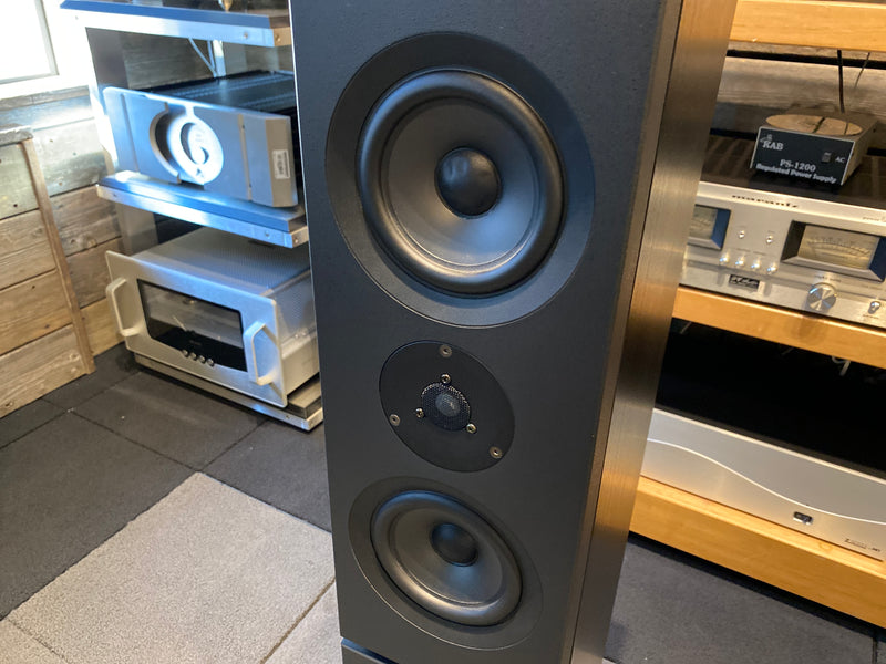 Linn Kaber Active Speakers with 3 x Linn LK-100 Amps and Crossover Cards