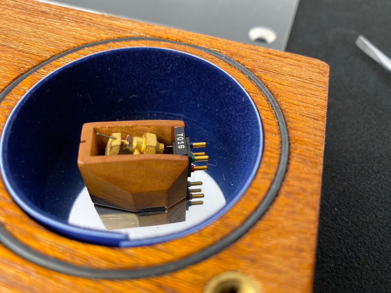 Benz Micro L 0.4 FG-II Low Output Moving Coil (MC) Phono Cartridge