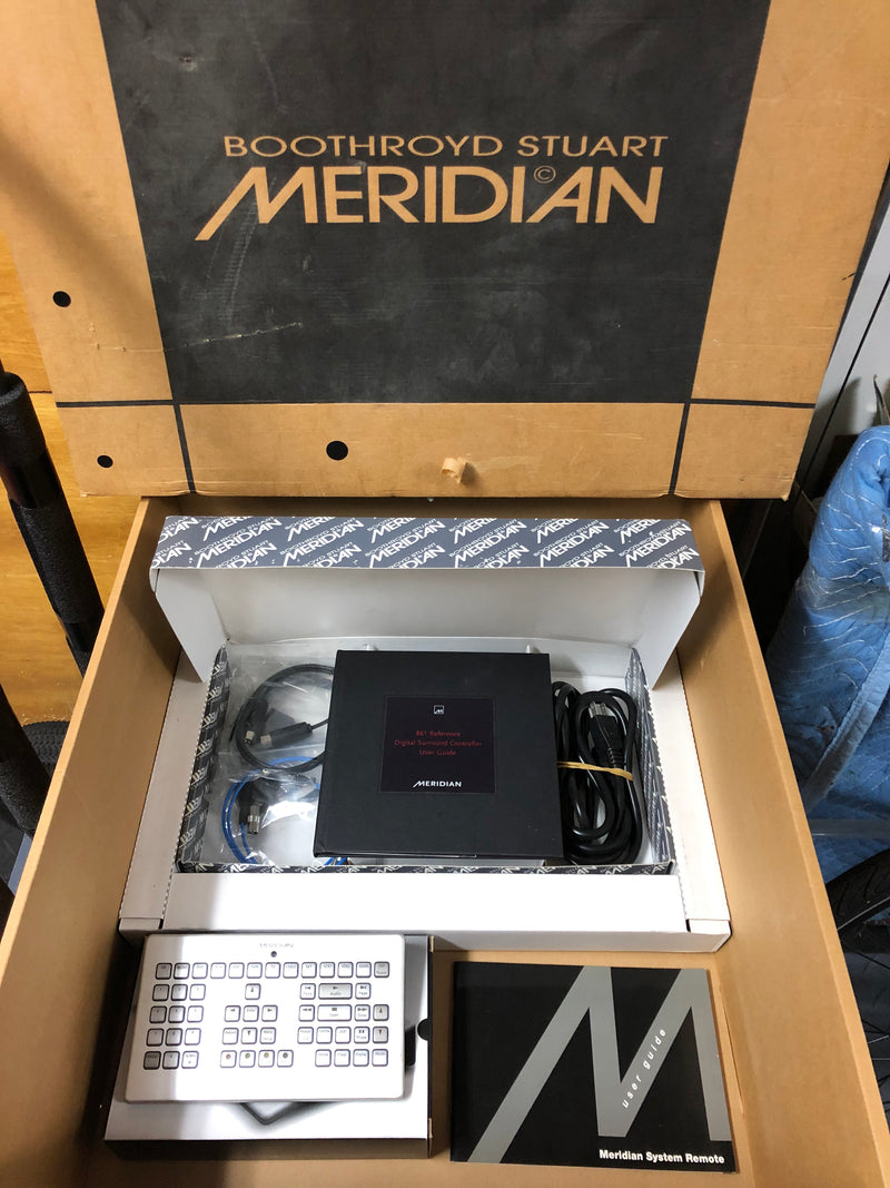 Meridian 861 v6 Reference Digital Surround Controller and Processor - Upgradable
