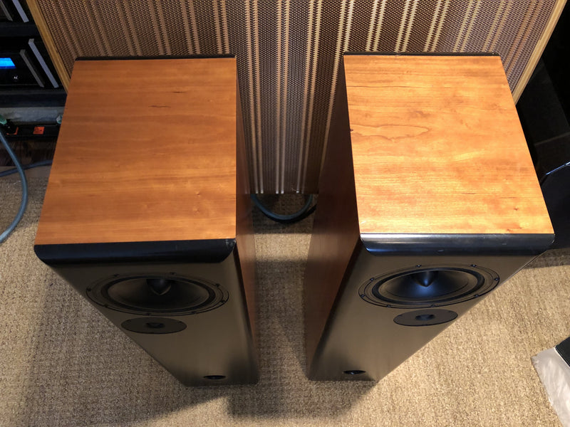 DeVore Fidelity Gibbon Eight Speakers
