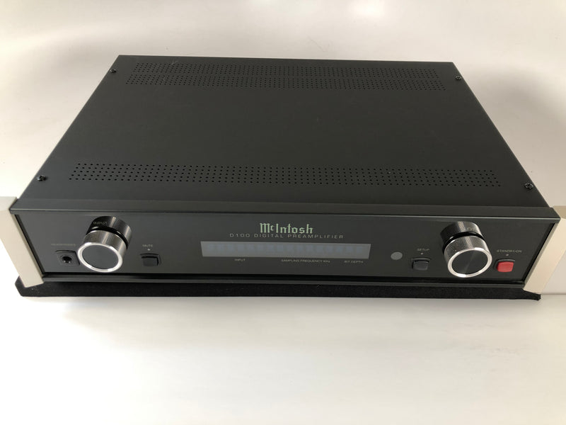McIntosh D100 Digital Preamp and DAC