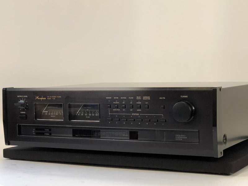 Accuphase T-106 Digital AM-FM Stereo Tuner