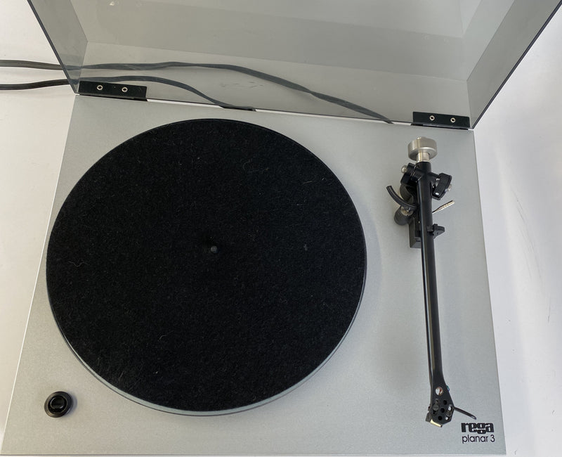 Rega Planar 3 (P3) Iconic Manual Turntable with Sumiko Cartridge