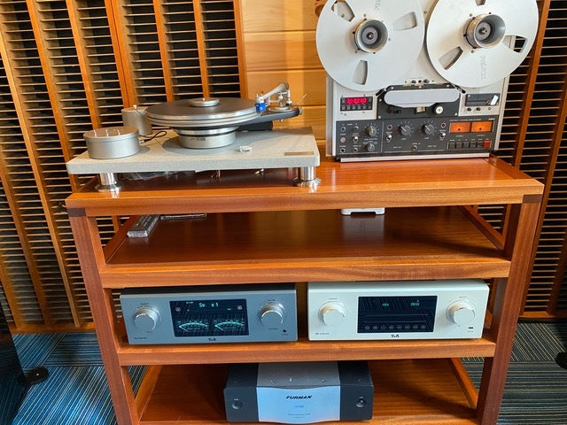T+A HiFi - Esoteric Modern & Vintage System