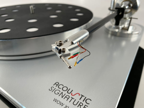 Acoustic Signature WOW XL Turntable With New Sumiko Blackbird MC Cartridge