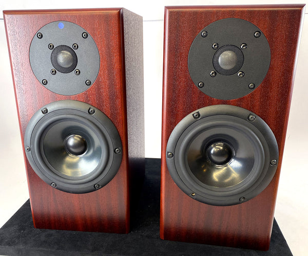 Totem Rainmaker Bookshelf Speakers in Mahagony - BIG Sound