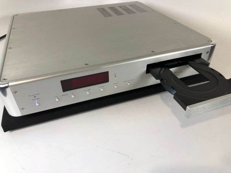 Krell KAV-280cd CD Player with Quad 24-Bit Burr-Brown PCM-1704's (A)