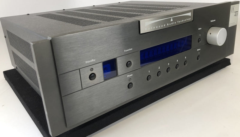 Balanced Audio Technology (BAT)VK-40 Solid State Preamp with Optional Phono Card and Remote