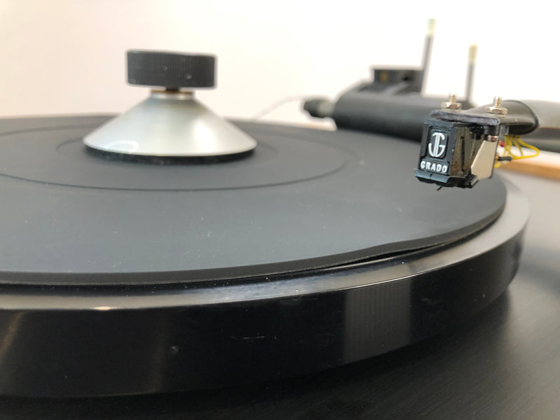 Goldmund Studio Turntable with Eminent Technologies Linear Air Bearing Arm and Grado Cartridge
