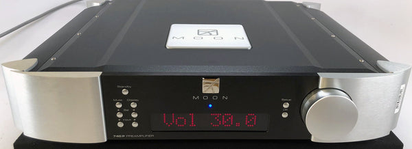 Simaudio Moon Evolution 740P Analog Preamplifier - Complete w/Remote, Box, and Manual