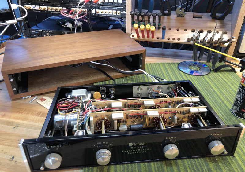 McIntosh MQ-101 Environmental Equalizer in Wood Case
