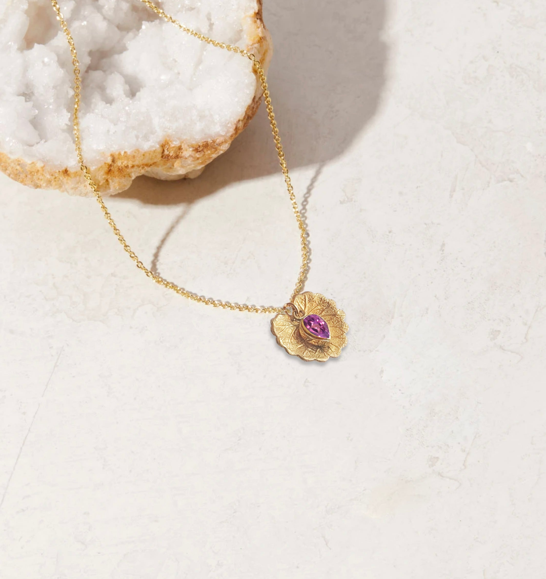 TOURMALINE PERFUME WITH NECKLACE | October