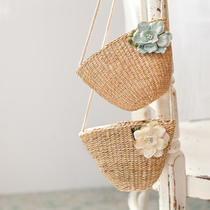 Raffia Purse With Flower