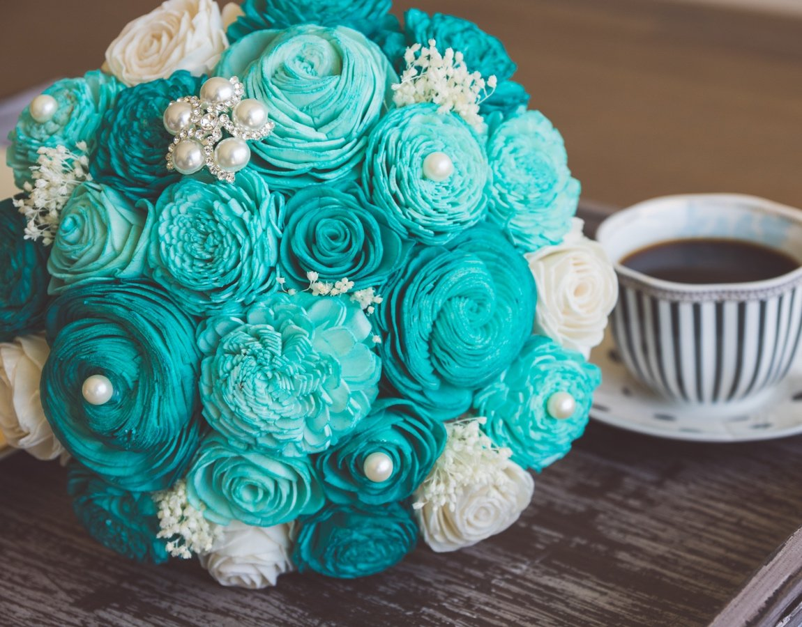 Sola Wood Flower Bouquets - Breakfast at Tiffany\'s - Luv My Flowers ...