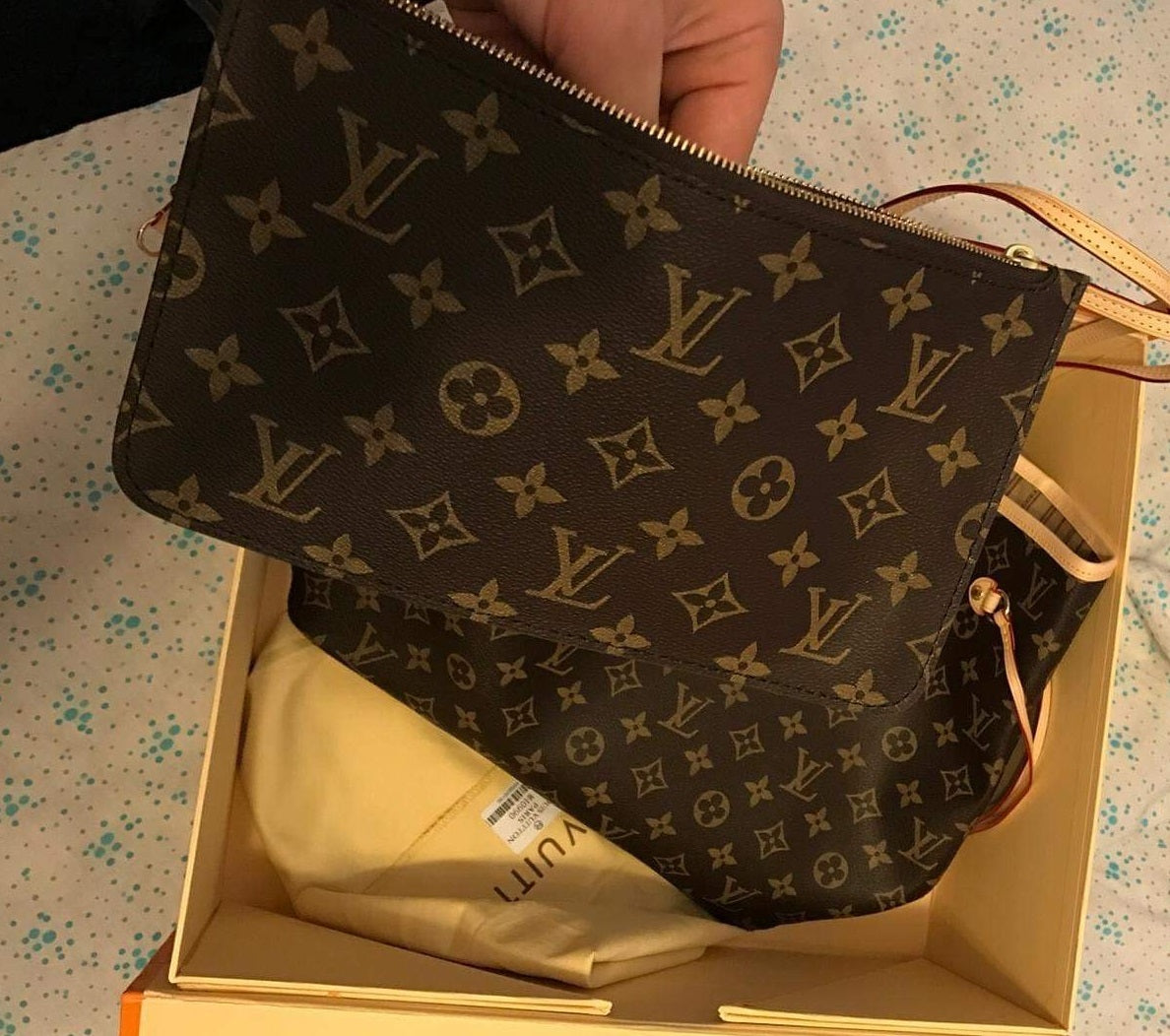 Fake Louis Vuitton Neverfull vs Real: Important Details You Should Definitely Pay Attention To (With Photo Examples) Neverfull Monogram Pouch