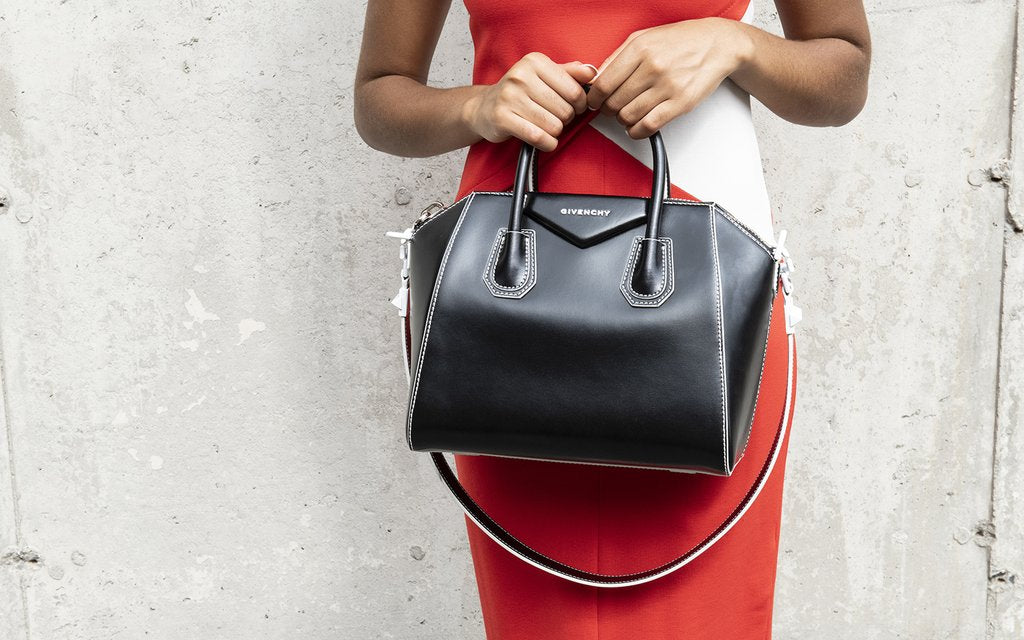 Givenchy Antigona Reference Guide: A Great Everyday Bag what fits inside