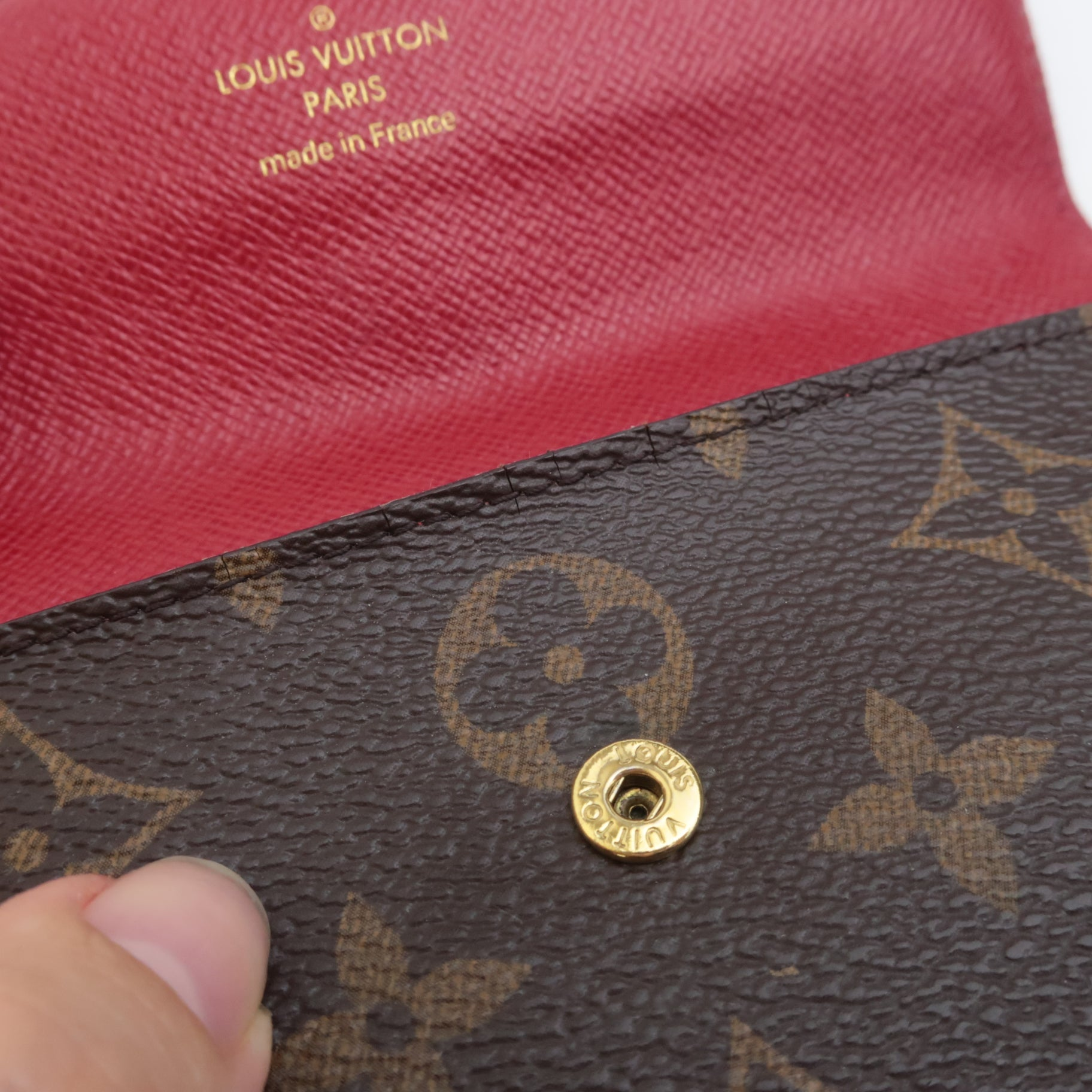 Does Louis Vuitton Offer Repair Services? cracked canvas