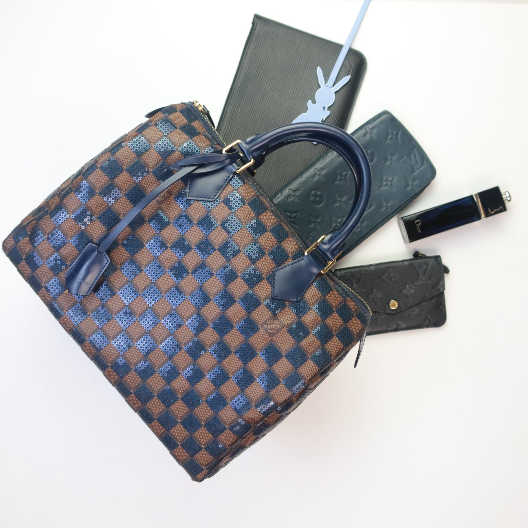 Which Louis Vuitton Classic Bag To Buy: LV Alma vs LV Speedy LV Speedy Paillettes what fits