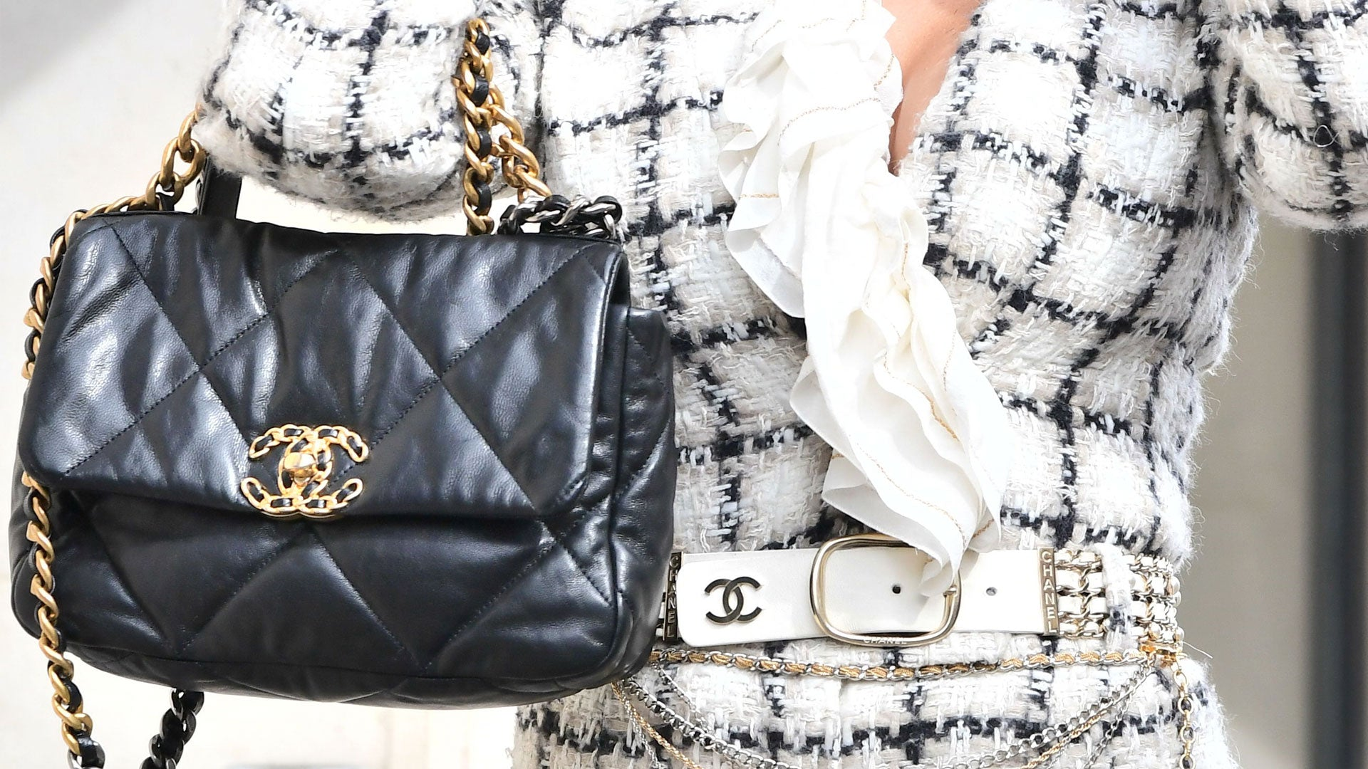 "Is Chanel 19 Bag Worth Buying? Ultimate New Chanel ""It"" Bag Review"