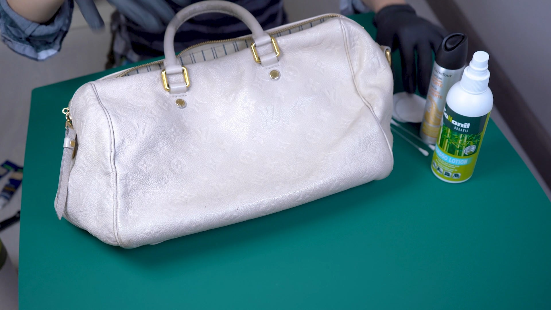 How To Clean Your White Luxury Handbag and Make Sure It Stays White cleaning tips