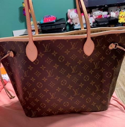 Fake Louis Vuitton Neverfull vs Real: Important Details You Should Definitely Pay Attention To (With Photo Examples) Fake neverfull monogram front view