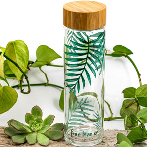 Borosilicate glass water bottle with bamboo lid