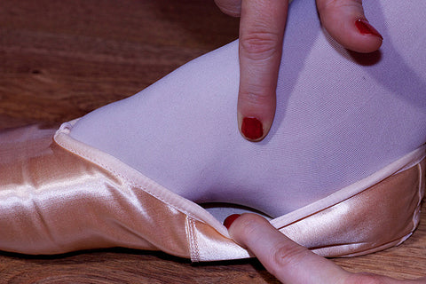 where to place ribbon in pointe shoe
