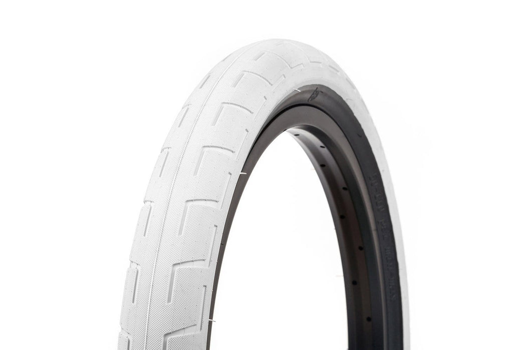 "2.4&Prime; &ndash; 730g</span></p> <style type=""text/css""> p.p1 {margin: 0.0px 0.0px 0.0px 0.0px; font: 12.0px Arial}</style> "" BMX Parts BSD Donnastreet Tyre White"