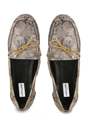 Dameani Loafers