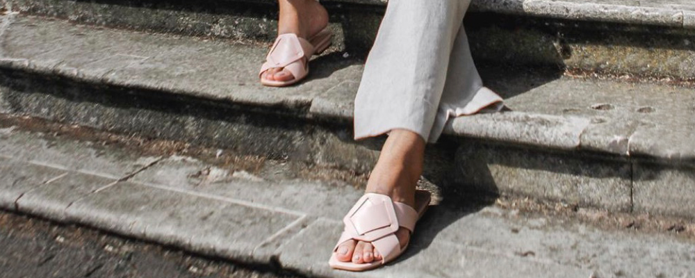 Suzannah: One Sandal, Five Looks