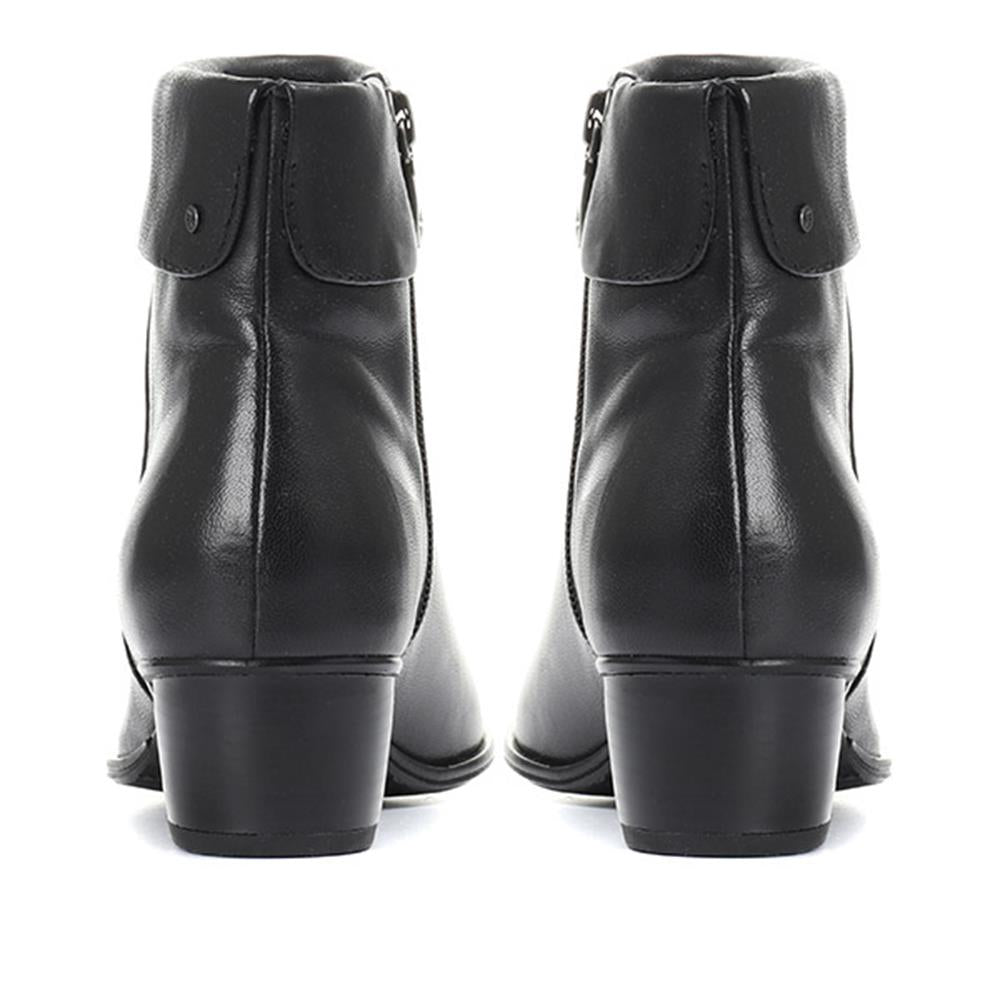 Leather Ankle Boot - VAN30501 / 316 516
