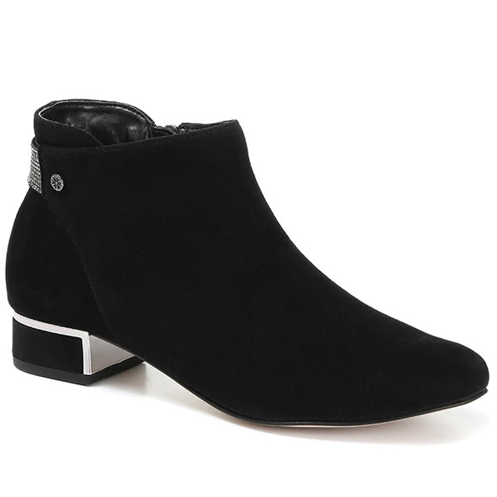 Embellished Suede Leather Ankle Boot - VAN30503 / 316 520