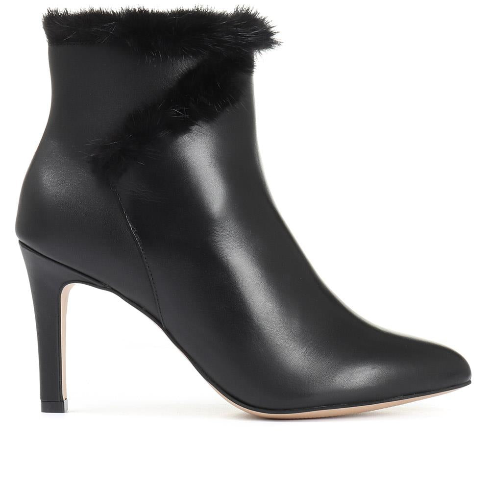 Heeled Leather Ankle Boot - GVD30501 / 316 787