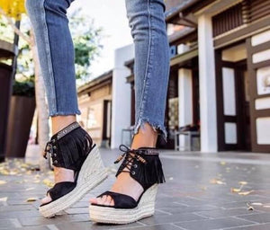 Hey Girl Fringe Sandals