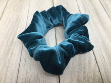 VELOUR SCRUNCHIES