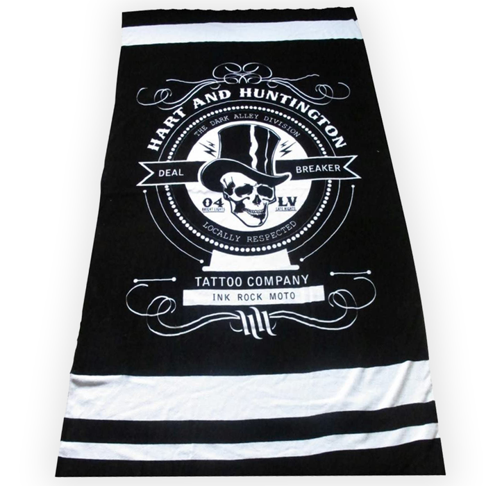 Hart & Huntington Deal Breaker Beach Towel with Pockets