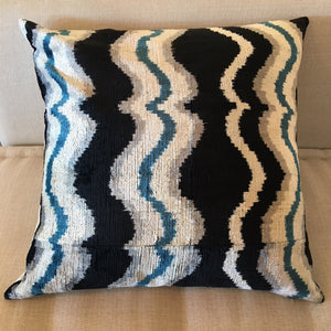 Ikat Wavy Pattern Pillow (Black, Grey, White, Blue) 20x20