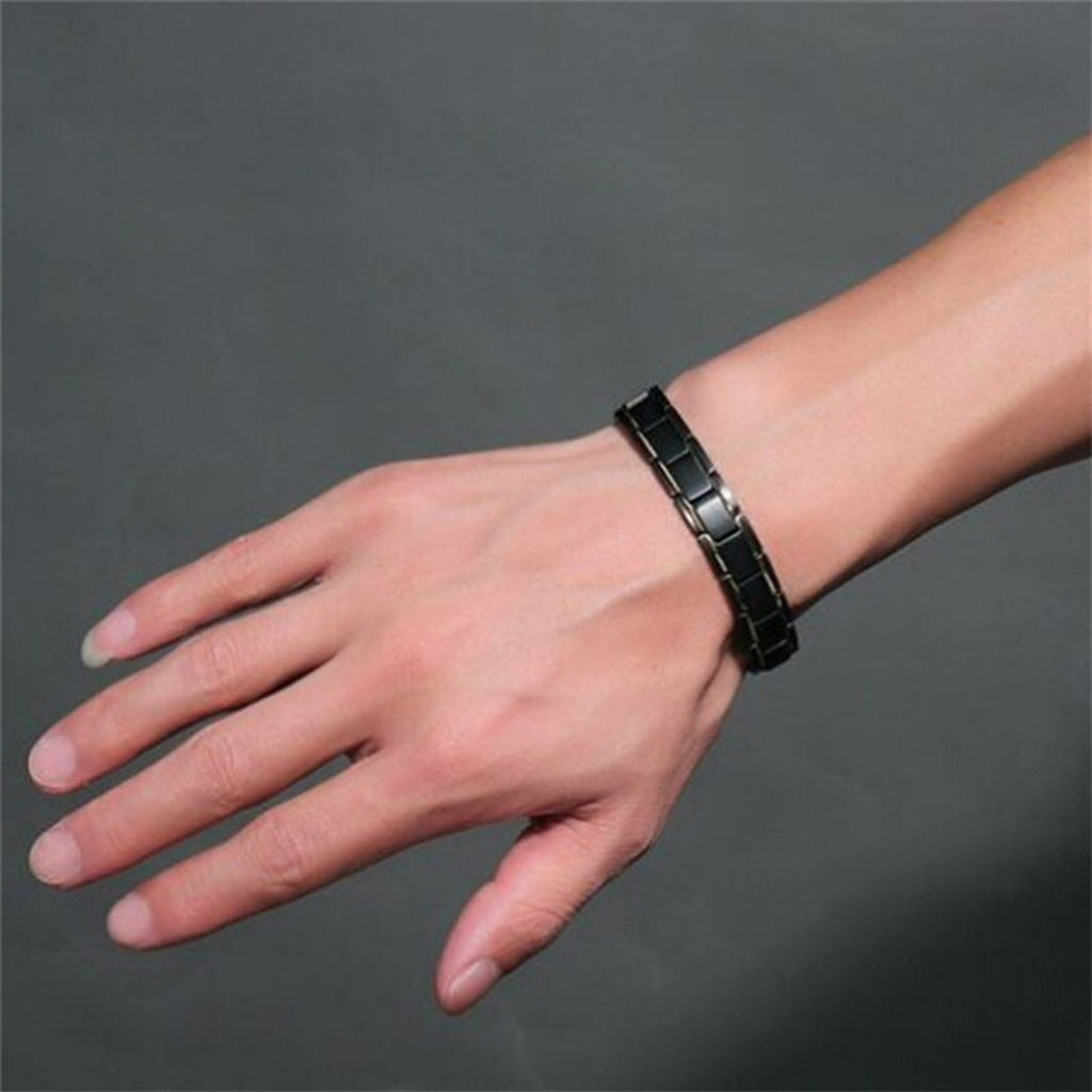 Men's Fashion Black Gold Between Health Titanium Steel Bracelet with Magnetic