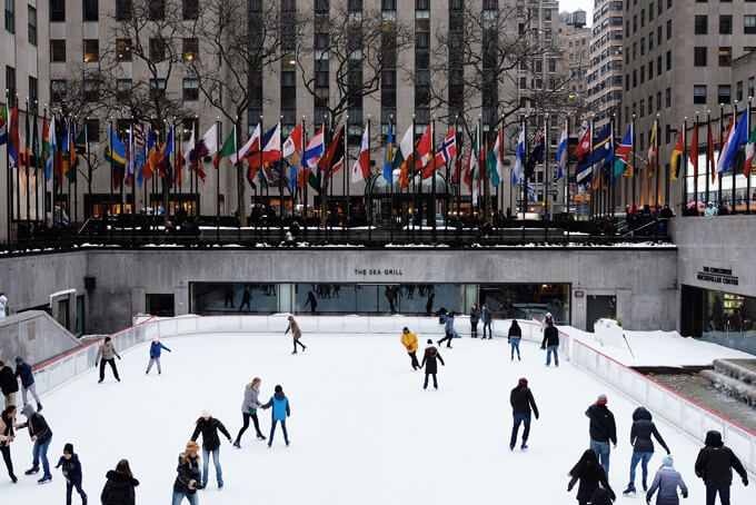 crowd skating in Rockefeller Plaza